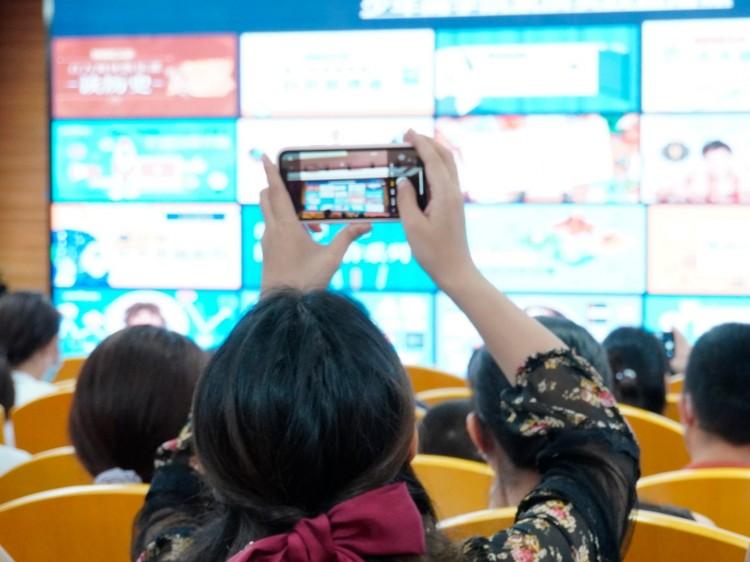 如何培养具有国际视野的孩子?少年商学院受邀参加深圳福田国际教育公开课